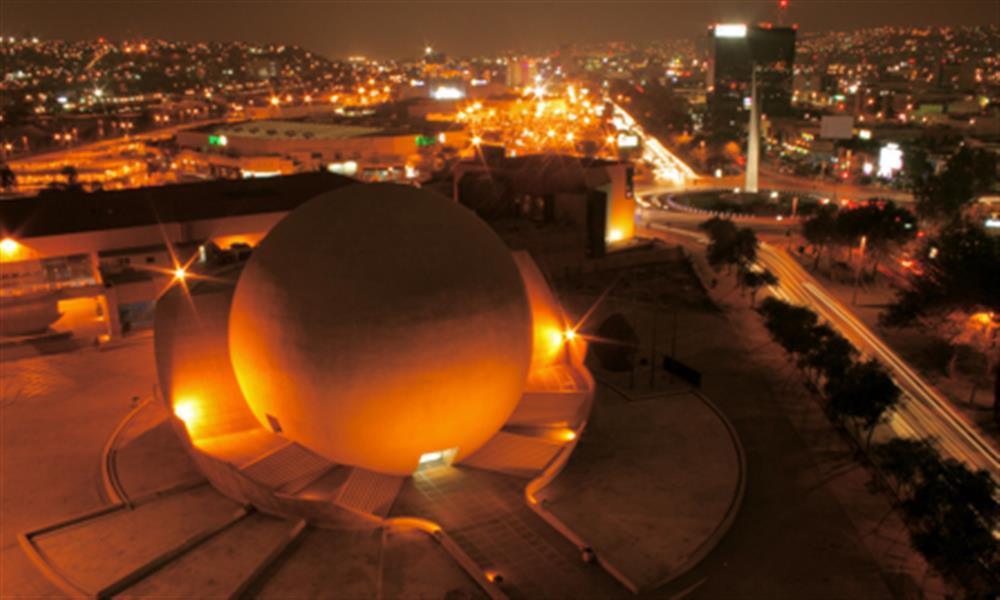 ¡Necesitas ir a Tijuana y contagiarte de su vida nocturna!