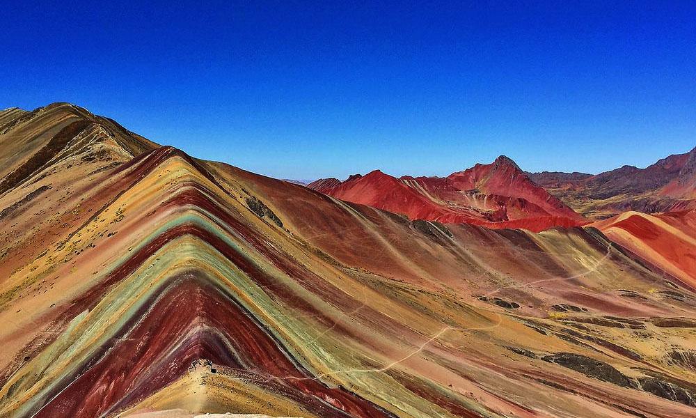 Vinicunca: la montaña arcoiris que enorgullece a Perú