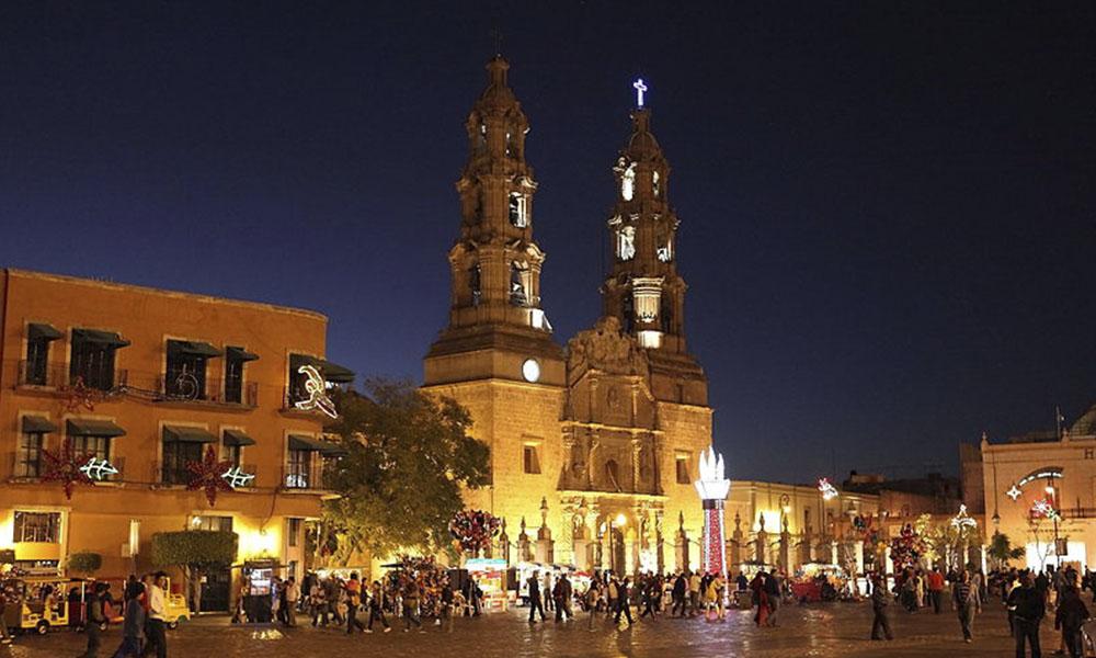 Paseo en tranvía: una forma rápida de conocer Aguascalientes