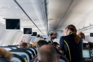 Sobrecargo de un avión