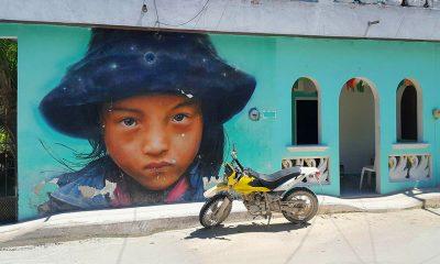 Mural niña isla holbox