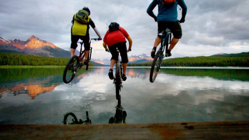 que hacer en jasper alberta canada bicicleta lago