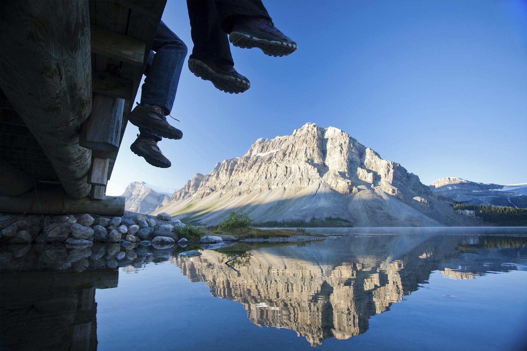 bow-lake-icefields-parkaway-alberta-canada