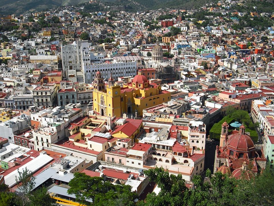 Escapadas románticas para parejas en Guanajuato y lugares románticos teatro juarez mirador del pipila