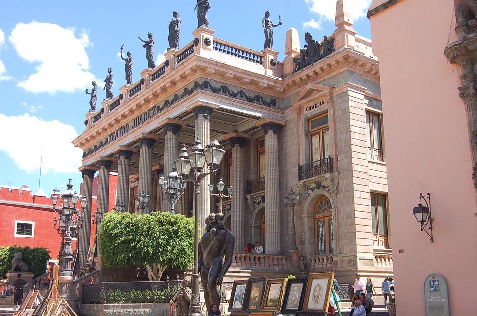 Escapadas románticas para parejas en Guanajuato y lugares románticos teatro juarez