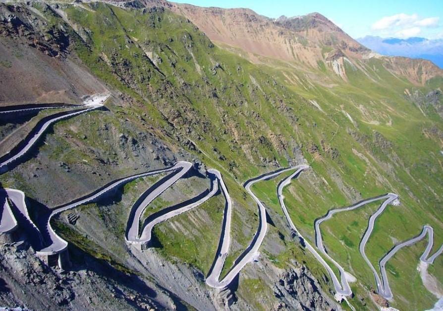 Carreteras que tienes que conducir una vez en tu vida, Paso-Stelvio