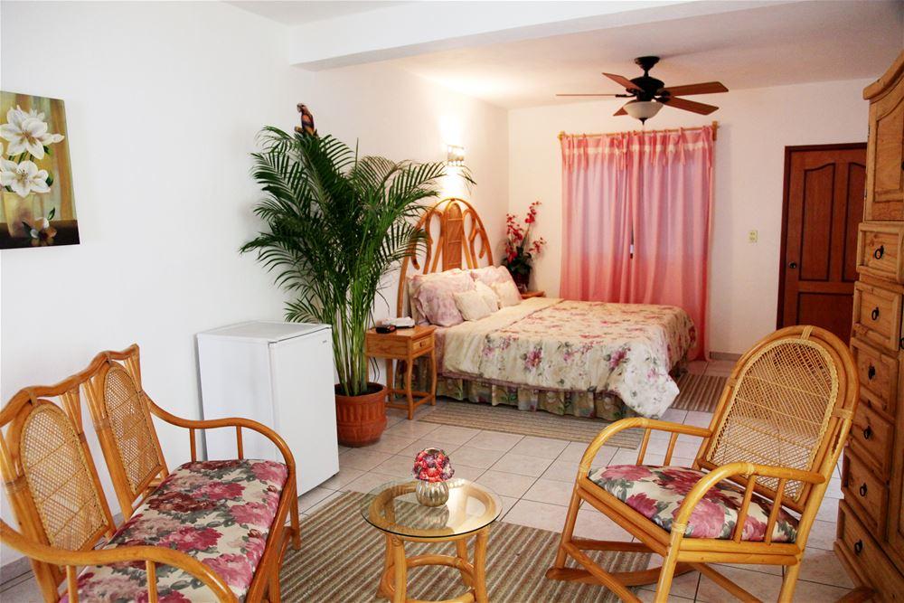 Dónde dormir en Comala como turista y como local hostal casa blanca