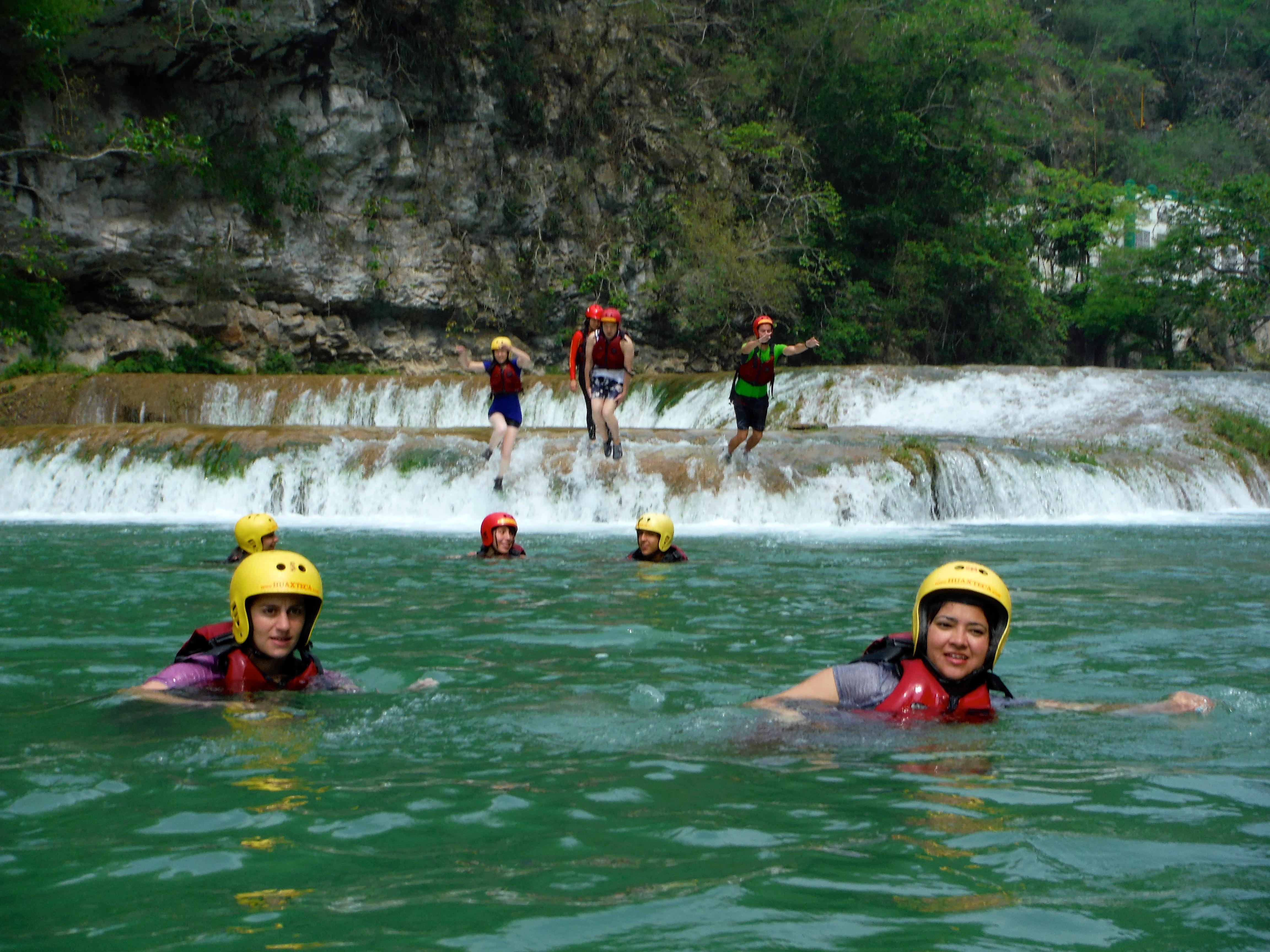 Tips para visitar la Huasteca Potosina, guía para novatos nadar