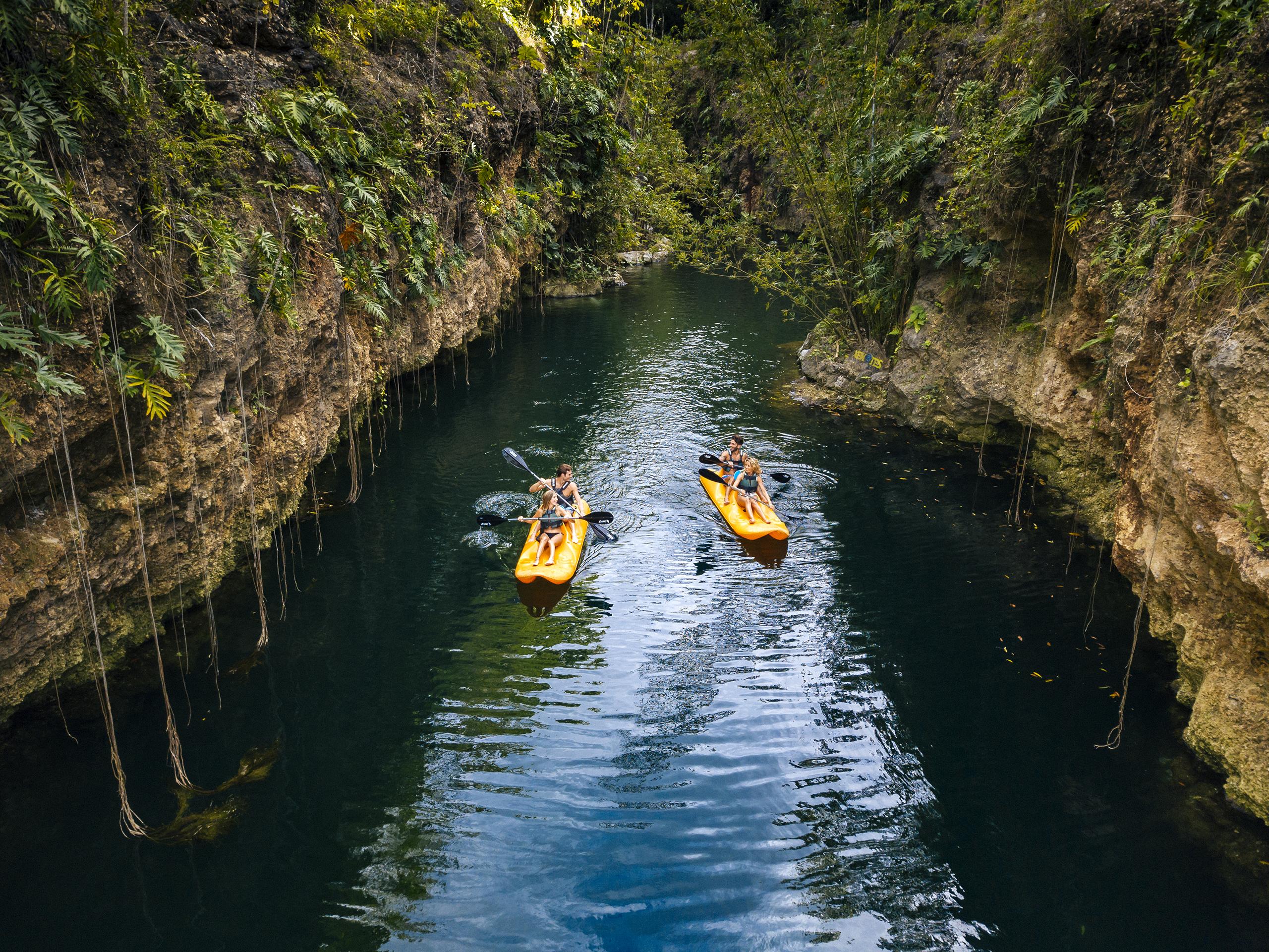 Xenotes naturaleza sagrada kayak
