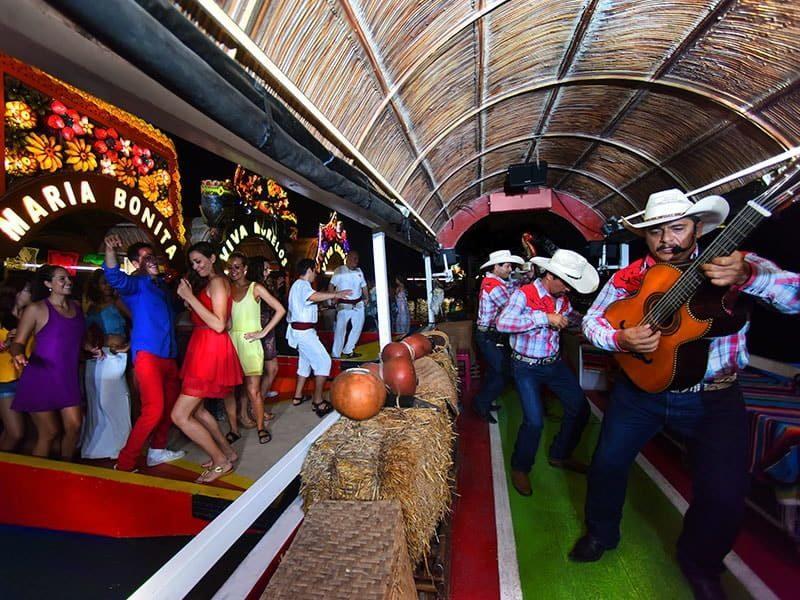 Xoximilco, una fiesta en trajinera1