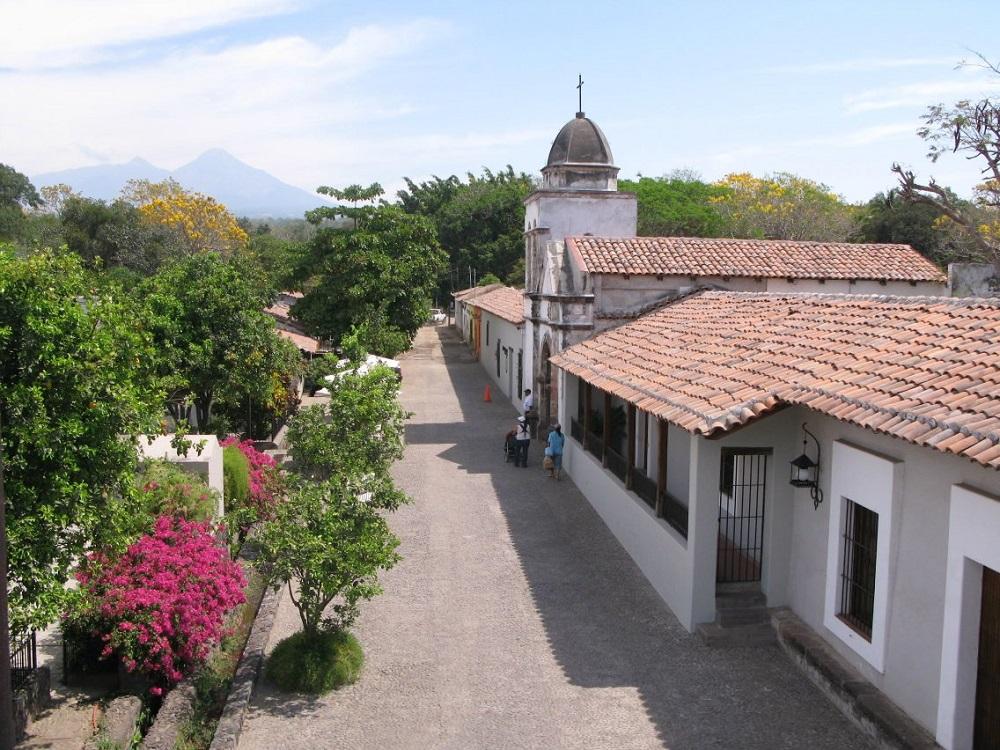 Las mejores cosas que hacer en comala travel report for Las mejores fachadas de las villas