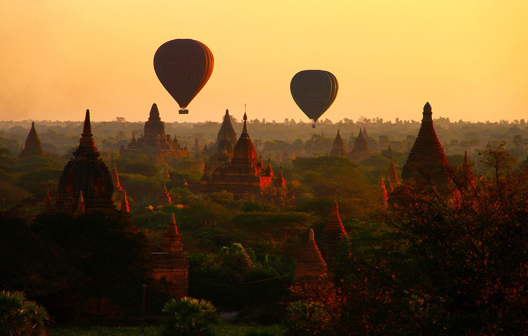 Los escenarios más espectaculares para verlos desde el cielo Bagan-Myanmar