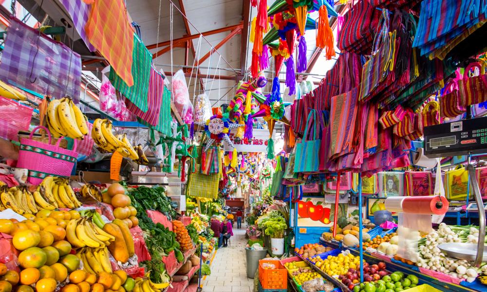 Mejores-cosas-que-hacer-en-San-Miguel-de-Allende-en-pareja-fabrica-mercado