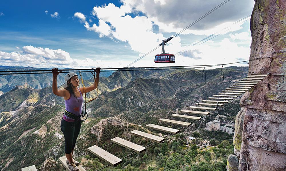 Qué-hacer-en-las-Barrancas-del-Cobre-y-la-estación-Divisadero-parque-de-aventuras