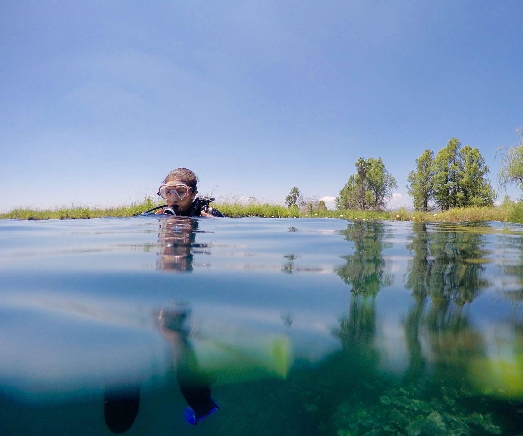 cuánto cuesta bucear en la laguna Media Luna (1)
