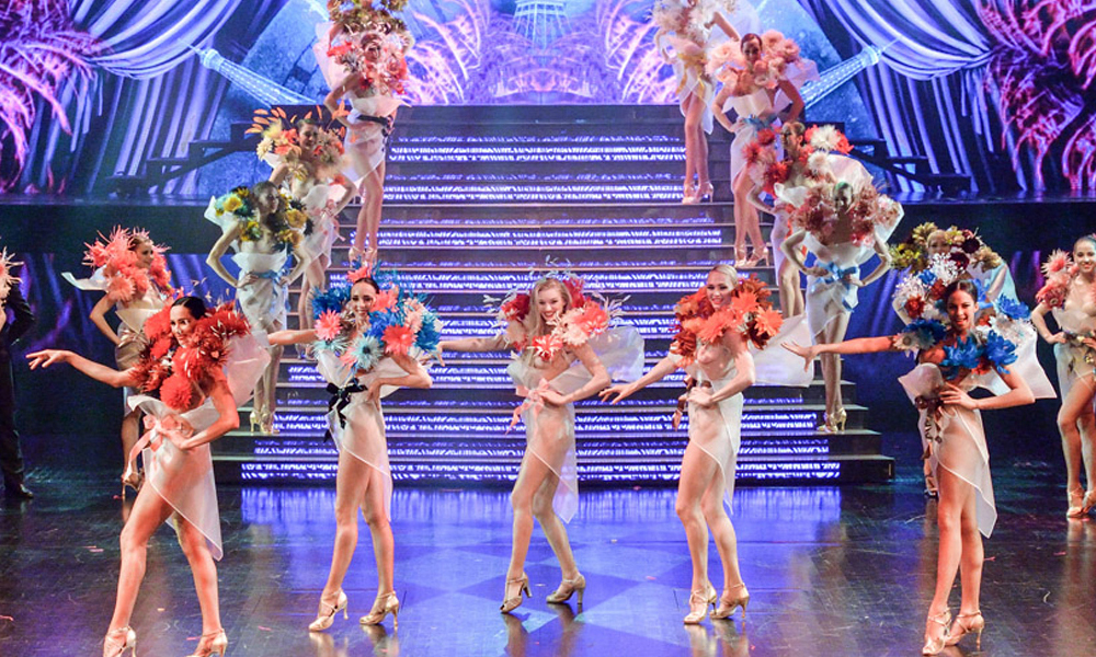 Cabarets enParíscuando ya fuiste a Moulin Rouge:Lido