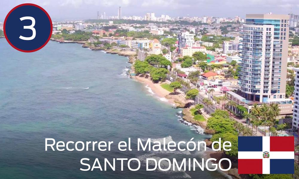 Recorrer el Malecón de Santo Domingo