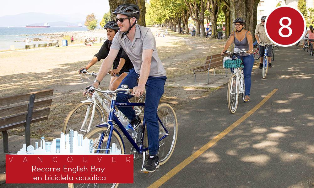 Qué hacer en Vancouver - #8 Recorre English Bay en bicicleta acuática