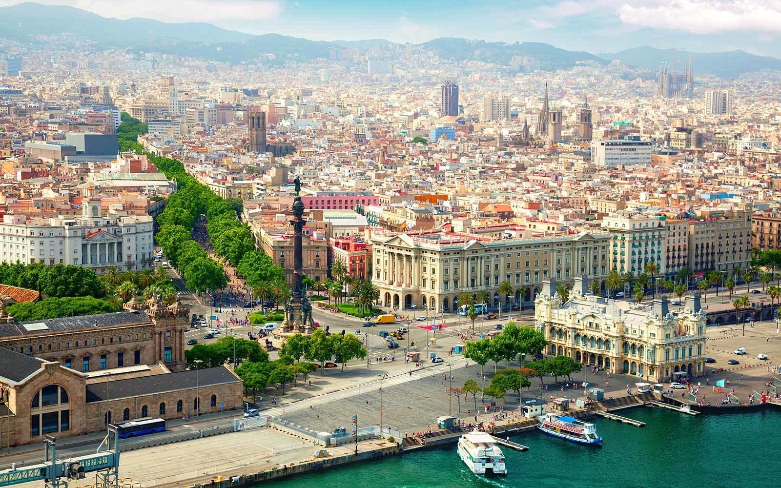 Cómo ahorrar en tu viaje a Barcelona, España