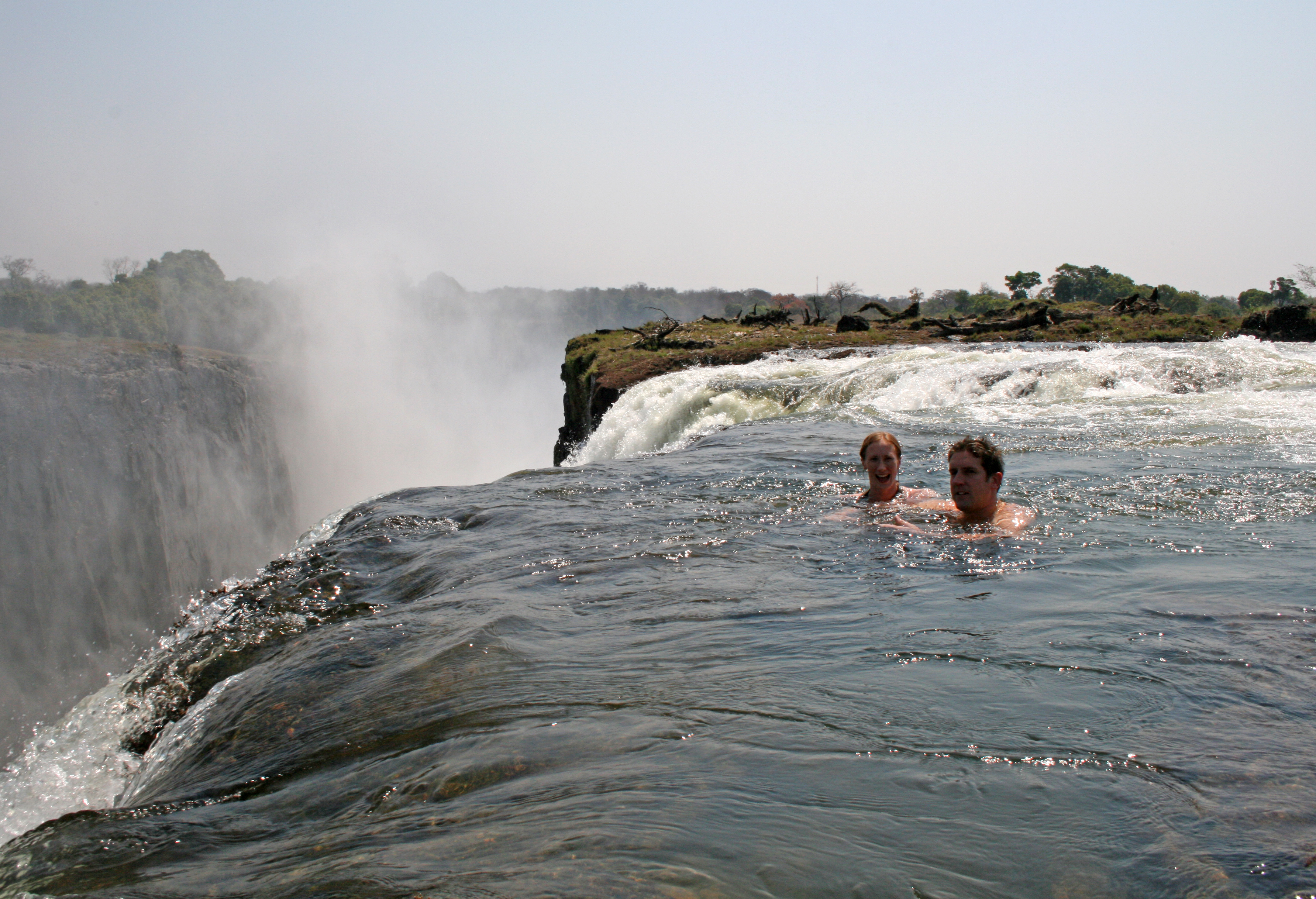 las piscinas naturales más increíbles del mundo Mosi-oa-Tunya, Zambia