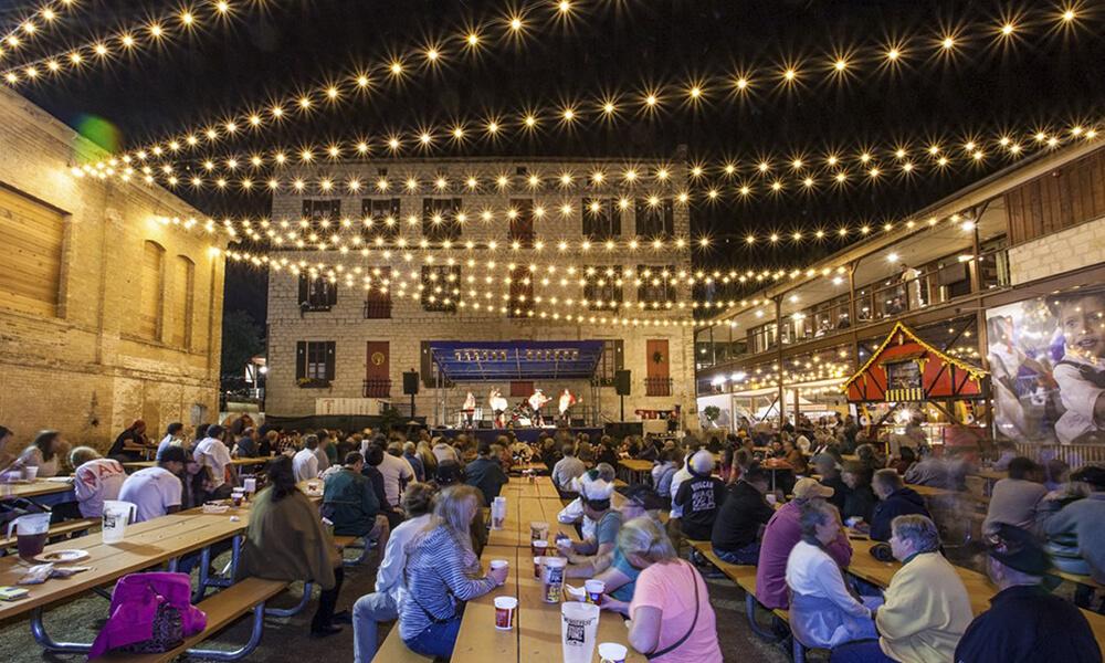 Wurstfest El Festival Texano Para Amantes De La Cerveza Y La Comida Alemana