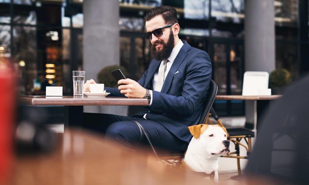 Consejos para ir a un restaurante con tu mascota