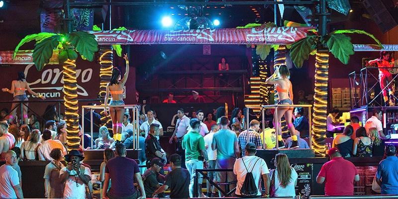 Coco Bongo, catedral de la fiesta en el Caribe mexicano