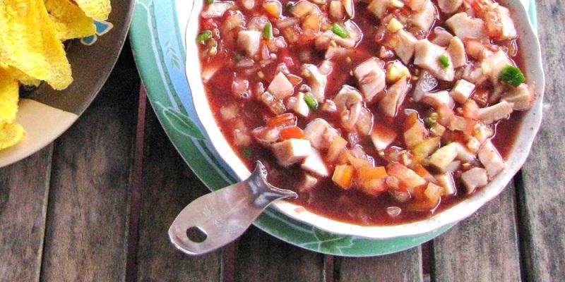 El ceviche de caracol destaca entre la comida quintanarroense.
