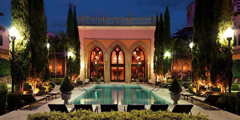 Relájate en una de las experiencias VIP de The Palm Beaches.