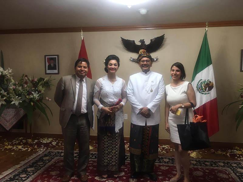 El embajador Cosmas Cheppy Triprakoso Wartono durante la comida del aniversario de la independencia de Indonesia