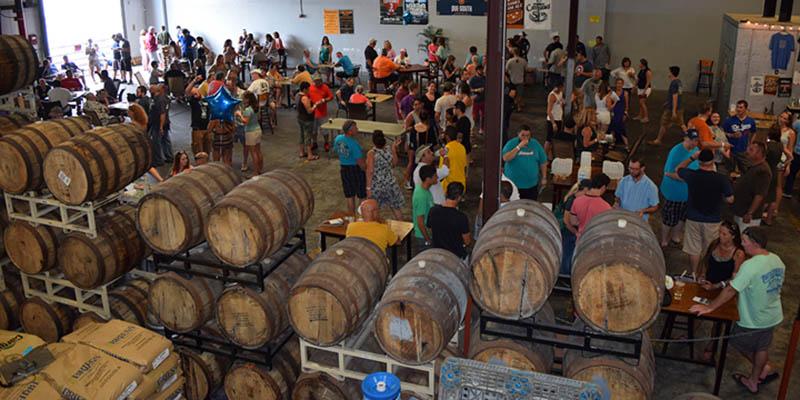 Acompaña con cerveza la comida en The Palm Beaches