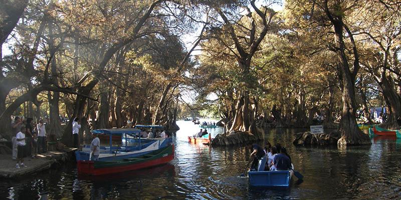 Haz un recorrido por el Lago de Camécuaro