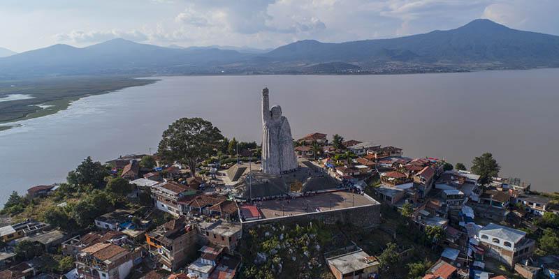 Tendrás una impresionante vista de las las islas del lago de Pátzcuaro
