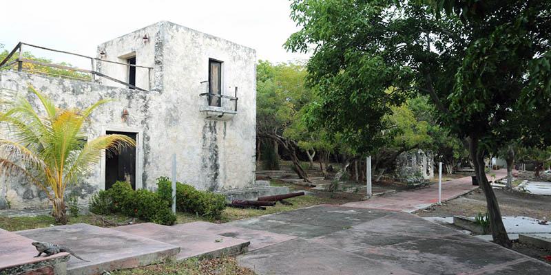 También puedes aprovechar para viajar a Isla Mujeres