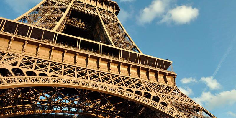 Hay un homenaje a franceses destacados