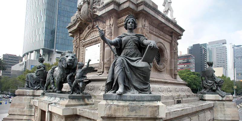 Símbolos y personajes de la Columna de la Independencia