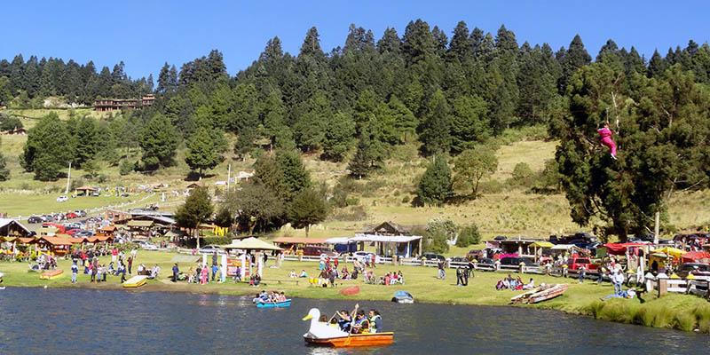 Lago en el Valle del Potrero