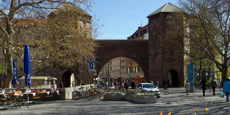 La puerta más antigua de Múnich
