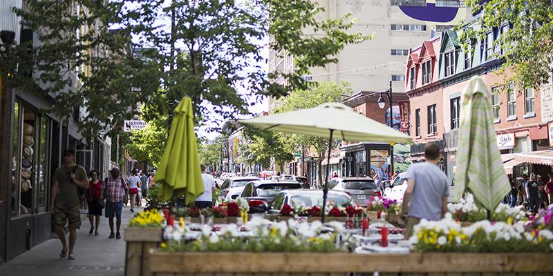 Boulevars Saint Laurent Montreal