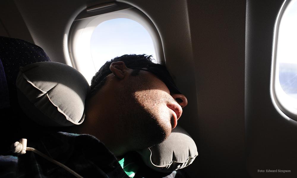tips para dormir en un avión