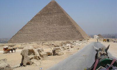 Limpian y sanitizan las pirámides de Giza por coronavirus