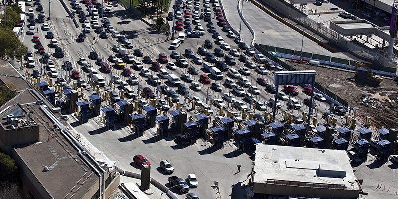 Restricciones de viaje entre México y Estados Unidos