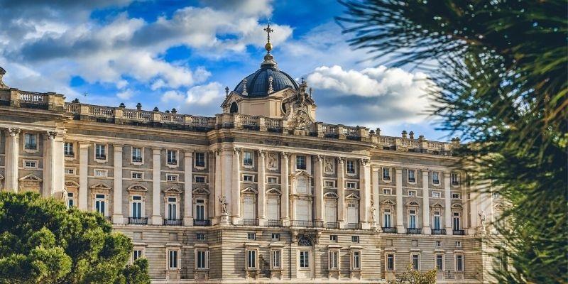Aeroméxico suspende el vuelo a Madrid por Covid-19