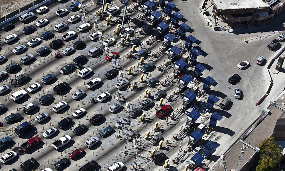 Se extienden las restricciones al tránsito terrestre entre México y USA