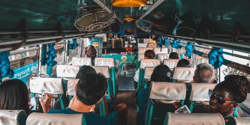 ¿Cómo cuidarte del COVID-19 en un autobús?¿Cómo cuidarte del COVID-19 en un autobús?