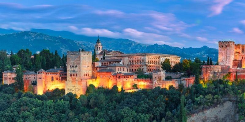 ¿Cuál es la labor de la Oficina de Turismo de España en México?
