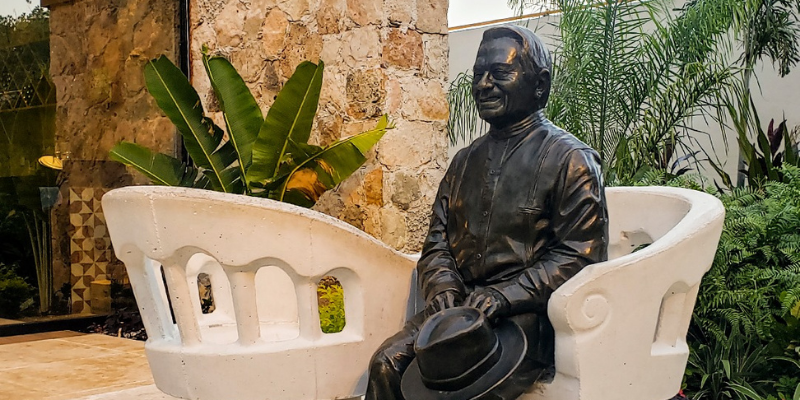 Mérida y Armando Manzanero
