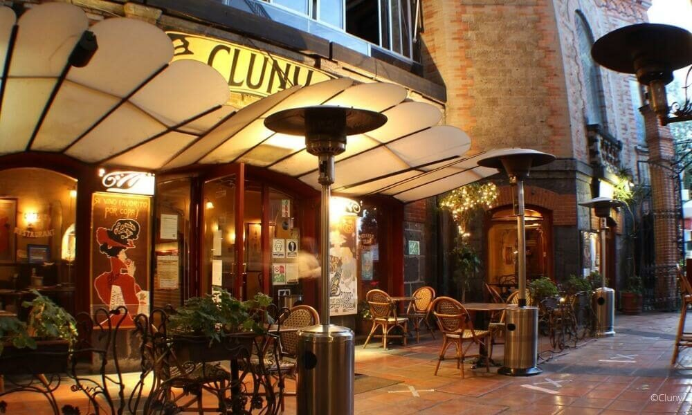 cluny review reseña