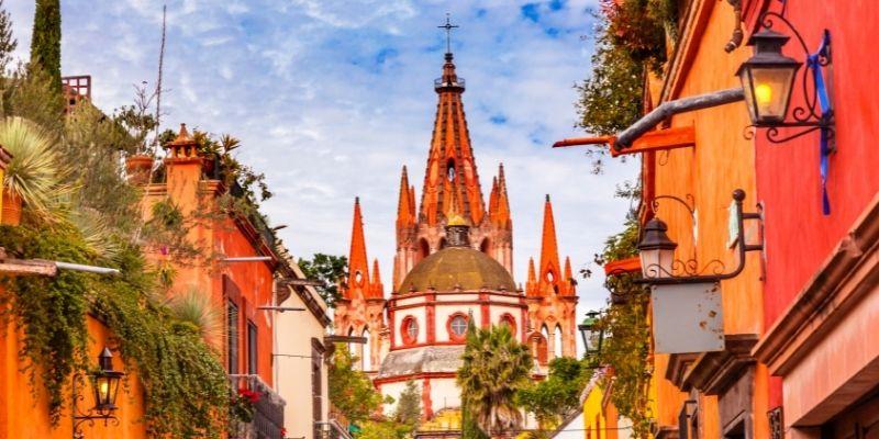 Coordenadas: el arte de redescubrir México