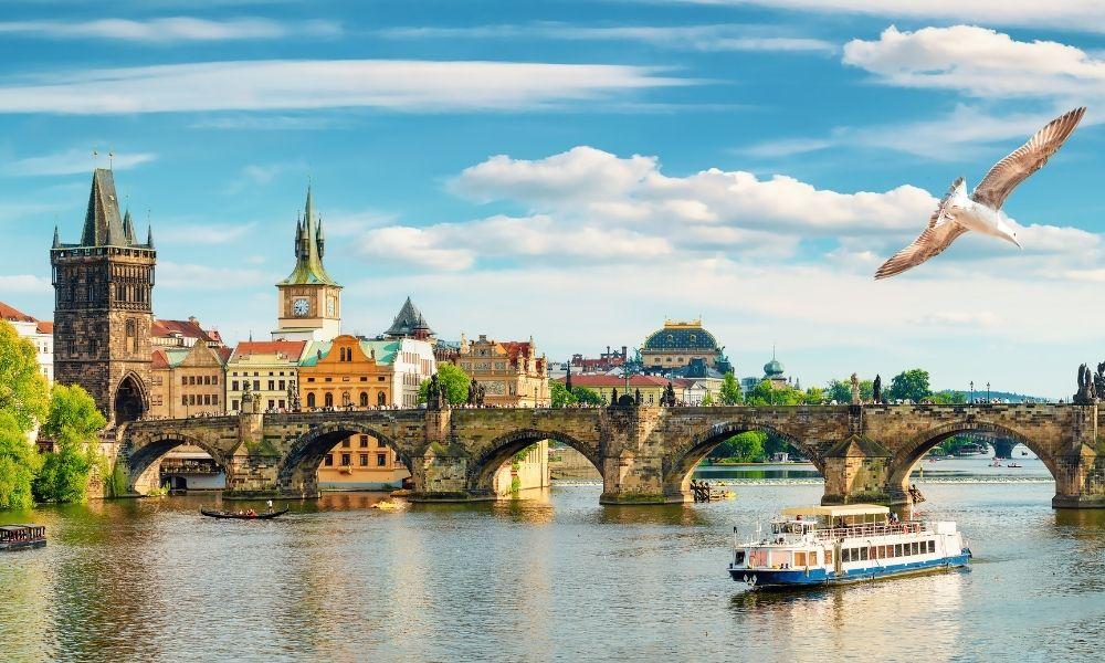 Viajar a República Checa: nuevos requisitos para mexicanos